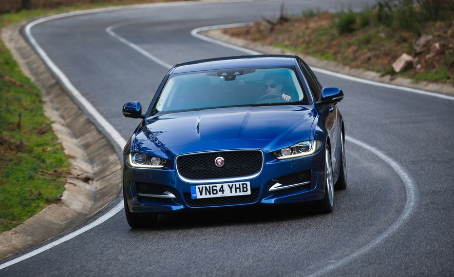 2017 Jaguar XE S Type (Euro-spec) - Slide 38
