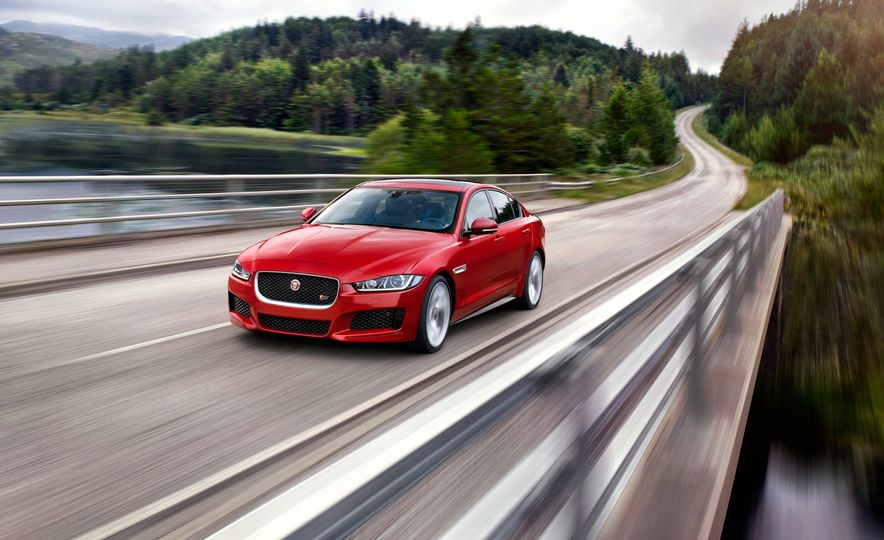 2017 Jaguar XE S Type (Euro-spec) - Slide 2