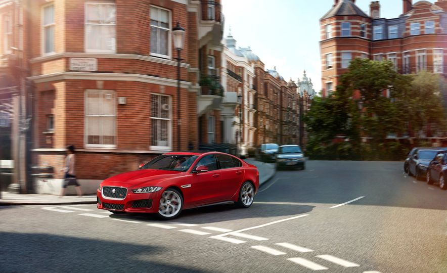 2017 Jaguar XE S Type (Euro-spec) - Slide 6