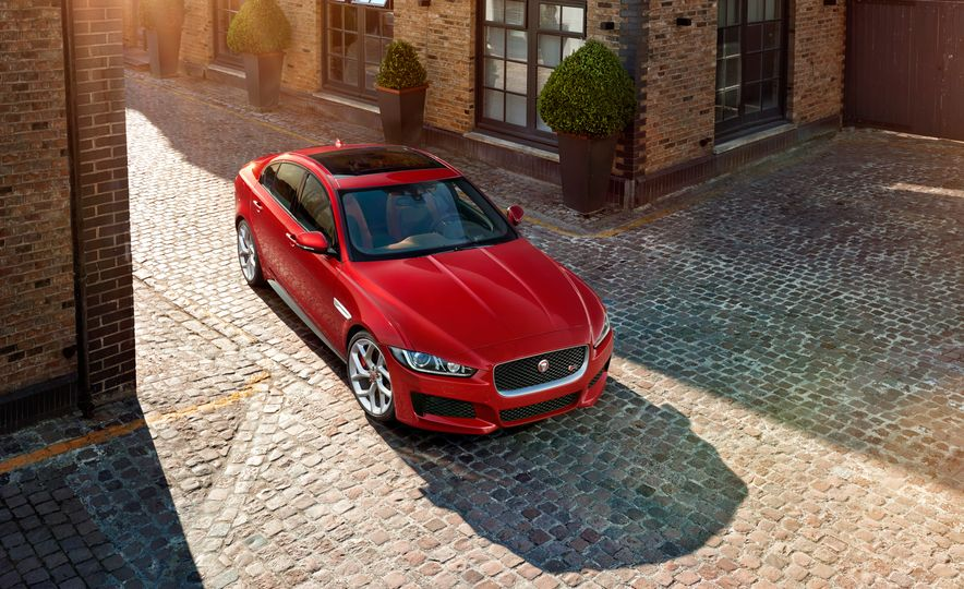 2017 Jaguar XE S Type (Euro-spec) - Slide 8