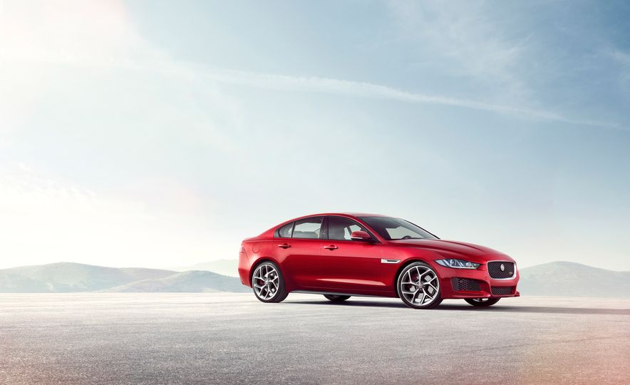 2017 Jaguar XE S Type (Euro-spec) - Slide 13