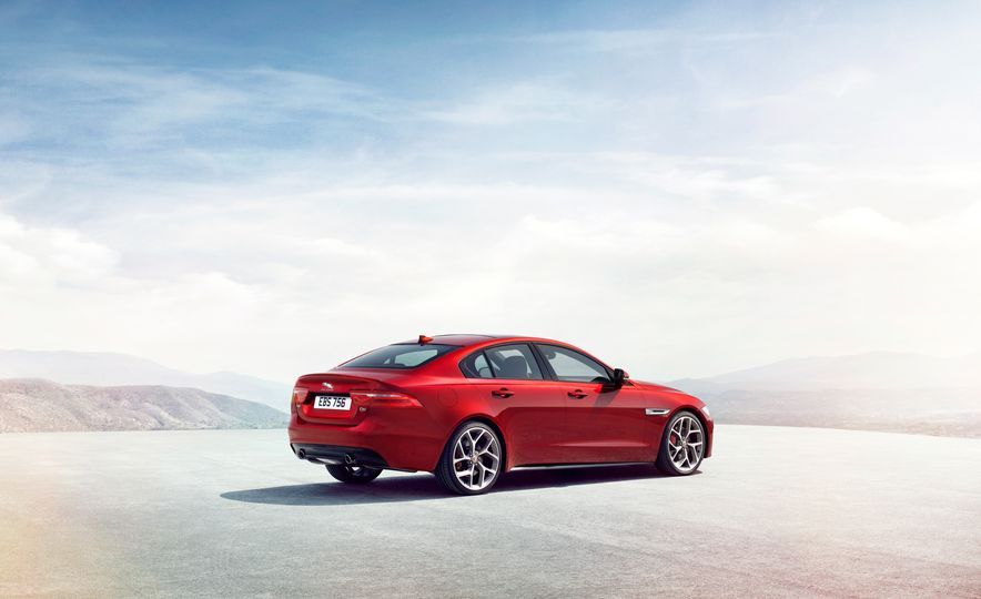 2017 Jaguar XE S Type (Euro-spec) - Slide 14