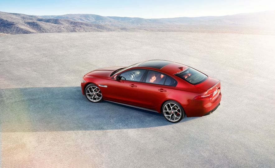 2017 Jaguar XE S Type (Euro-spec) - Slide 15