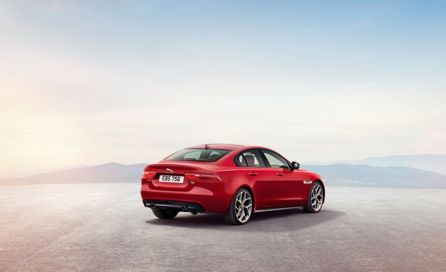 2017 Jaguar XE S Type (Euro-spec) - Slide 16