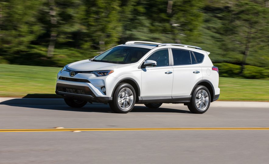 Practicality Matters: Every Compact Crossover SUV Ranked from Worst to Best - Slide 7