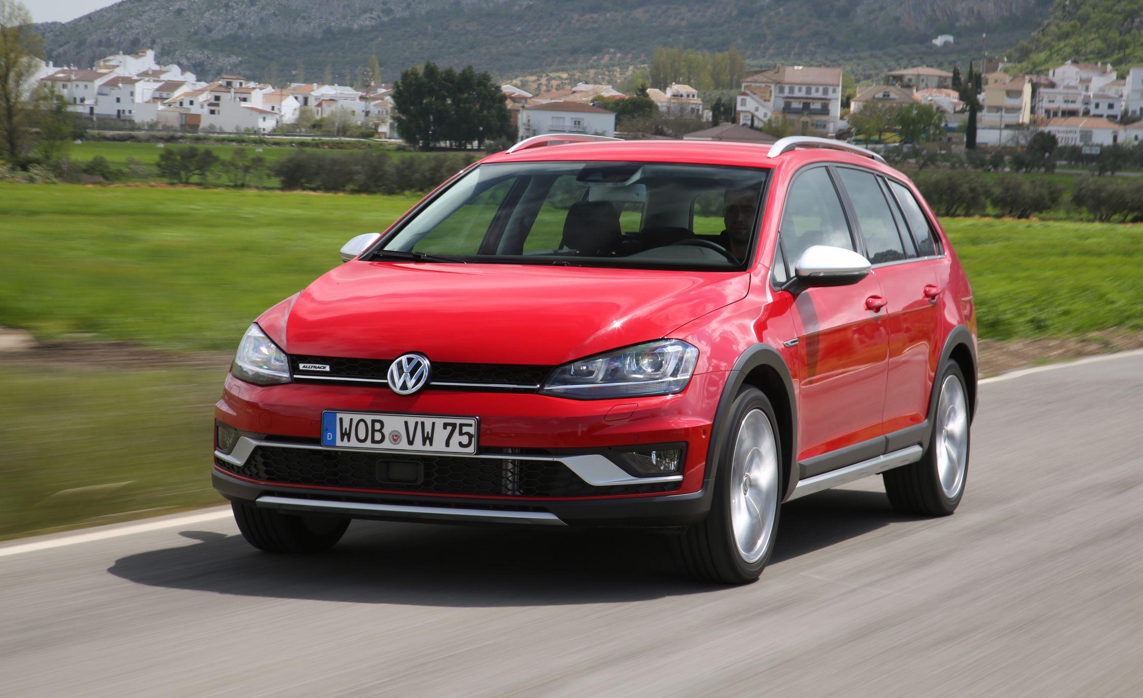 2017 vw golf sportwagen alltrack first drive review car and driver 2017 volkswagen golf sportwagen alltrack sciox Gallery