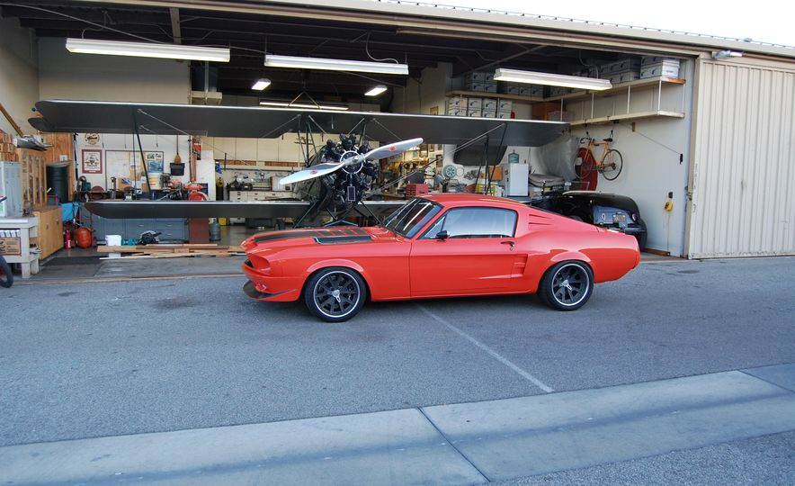 CR Supercars 1968 Ford Mustang Villain - Slide 1