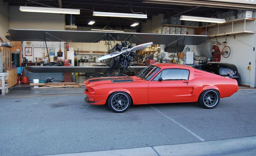 CR Supercars 1968 Ford Mustang Villain - Slide 2