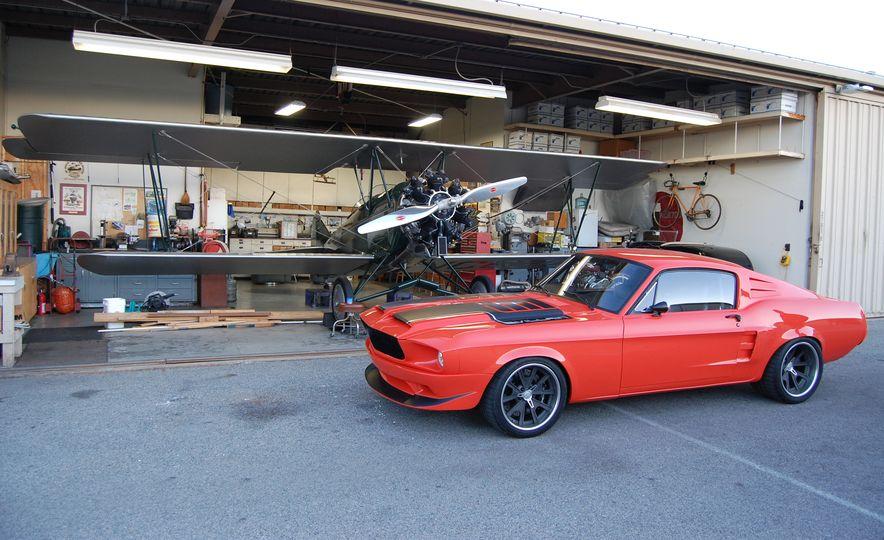 CR Supercars 1968 Ford Mustang Villain - Slide 3