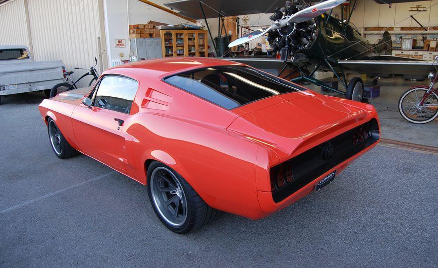 CR Supercars 1968 Ford Mustang Villain - Slide 12