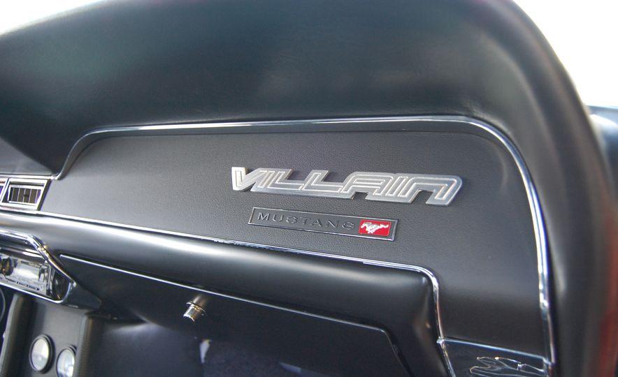 CR Supercars 1968 Ford Mustang Villain - Slide 23