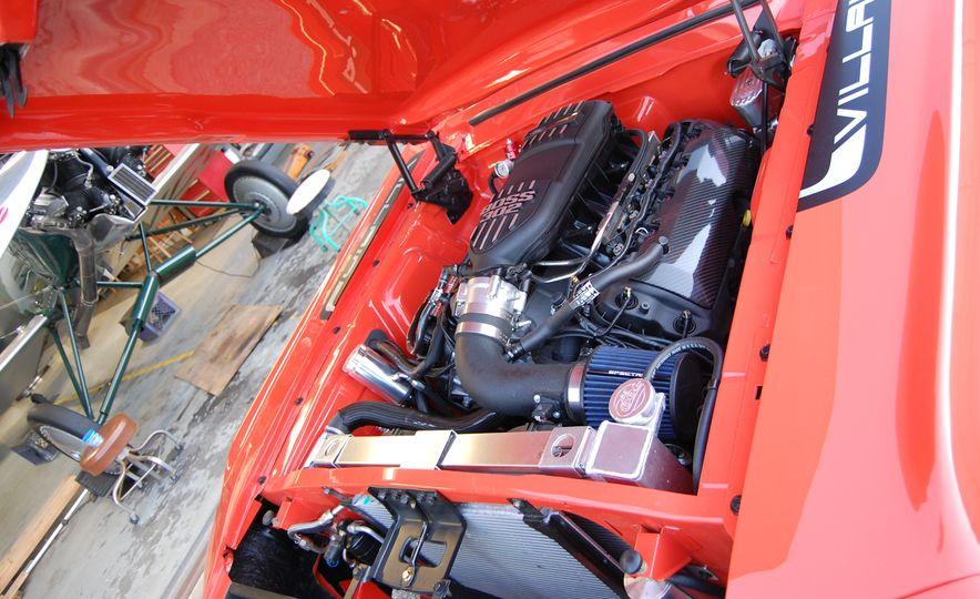 CR Supercars 1968 Ford Mustang Villain - Slide 24