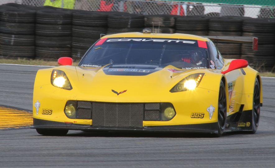 2016 Chevrolet Corvette Z06 C7.R Edition and Chevrolet Corvette C7.R race car - Slide 3