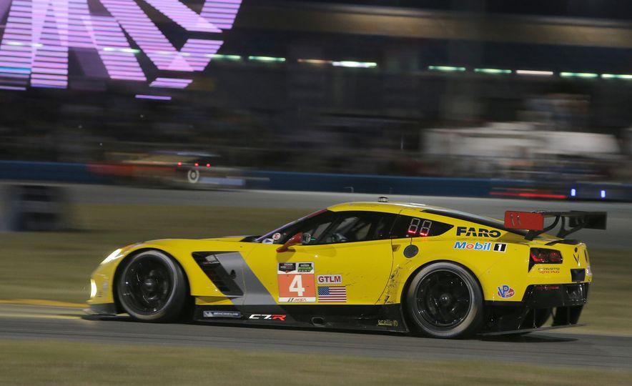 2016 Chevrolet Corvette Z06 C7.R Edition and Chevrolet Corvette C7.R race car - Slide 4
