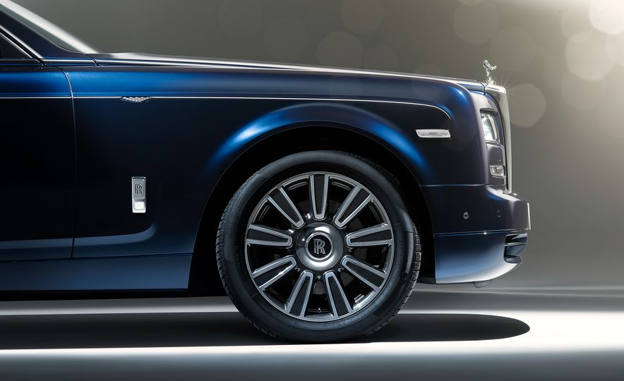 Rolls-Royce Phantom Limelight Edition - Slide 3