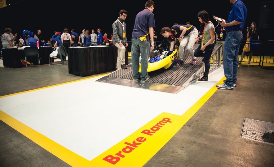 Shell Eco-Marathon: Cars Like You Wouldn't Believe—Or Fit In - Slide 12