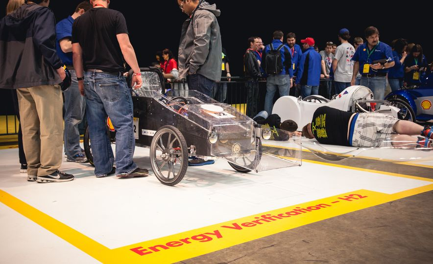 Shell Eco-Marathon: Cars Like You Wouldn't Believe—Or Fit In - Slide 15