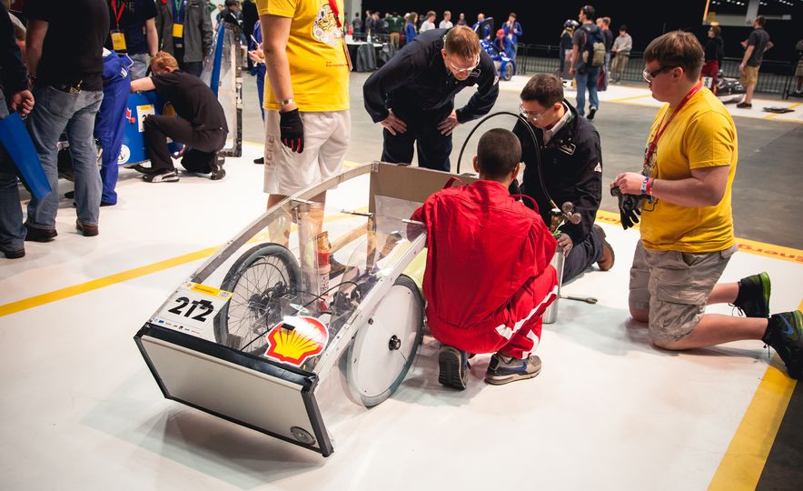 Shell Eco-Marathon: Cars Like You Wouldn't Believe—Or Fit In - Slide 48