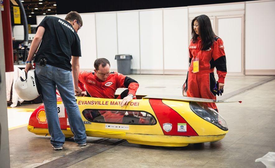 Shell Eco-Marathon: Cars Like You Wouldn't Believe—Or Fit In - Slide 49