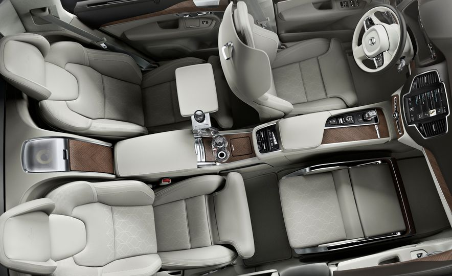 Volvo XC90 T8 Excellence concept - Slide 1