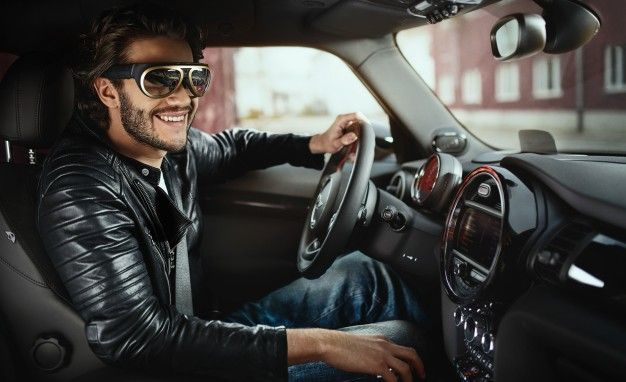 Cool Glasses! Cool Glasses! Mini Says Augmented Reality Is the Infotainment Future