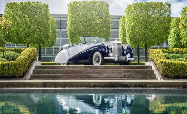 New Day Rising: Rolls-Royce Dawn Is the Name of the Drophead Wraith