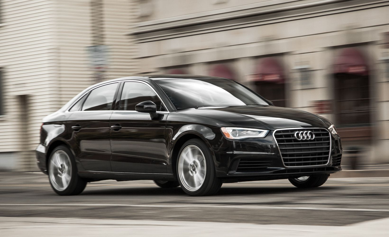 Bargain Beauties: The 10 Best Looking Cars Under $35,000   Slide 2