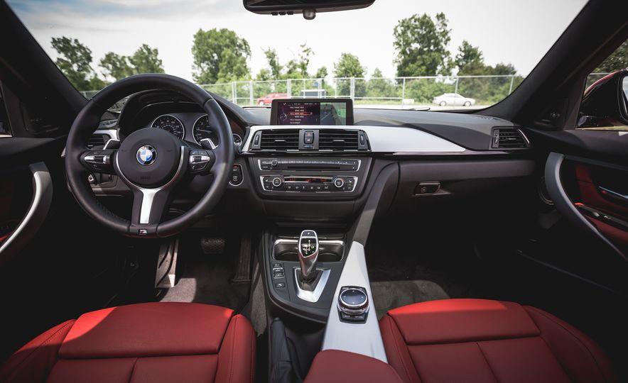 2015 BMW 335i xDrive - Slide 18