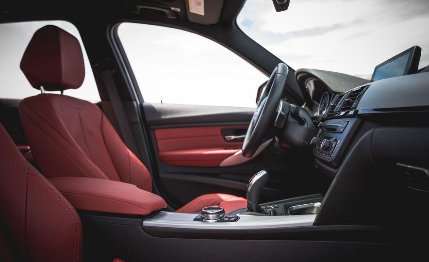 2015 BMW 335i xDrive - Slide 20