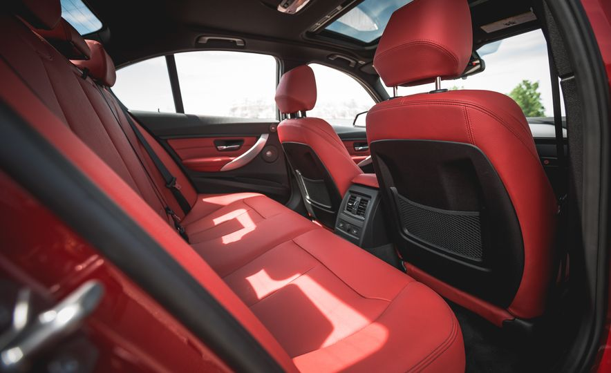 2015 BMW 335i xDrive - Slide 22
