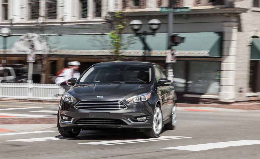 2015 Ford Focus Titanium - Slide 1