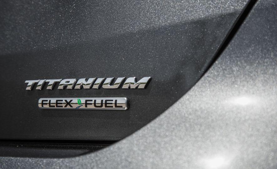 2015 Ford Focus Titanium - Slide 18
