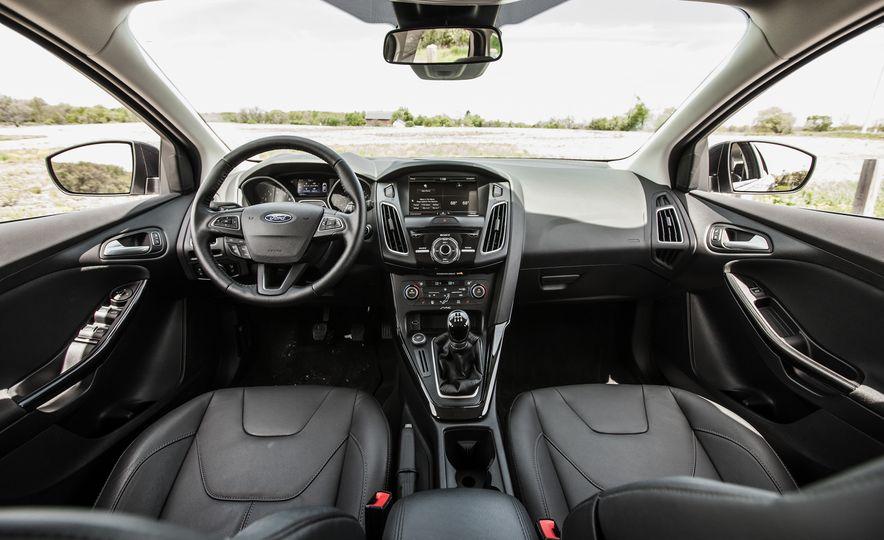 2015 Ford Focus Titanium - Slide 20