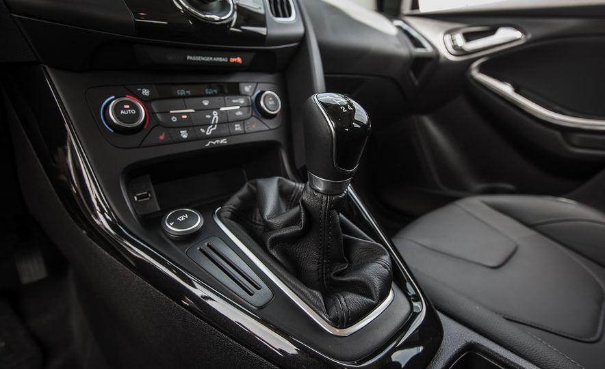 2015 Ford Focus Titanium - Slide 31