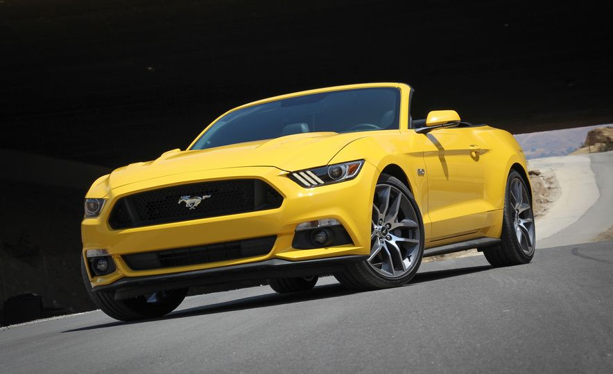 2015 Ford Mustang GT convertible - Slide 3