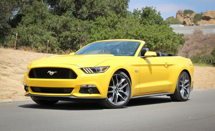 2015 Ford Mustang GT convertible - Slide 11