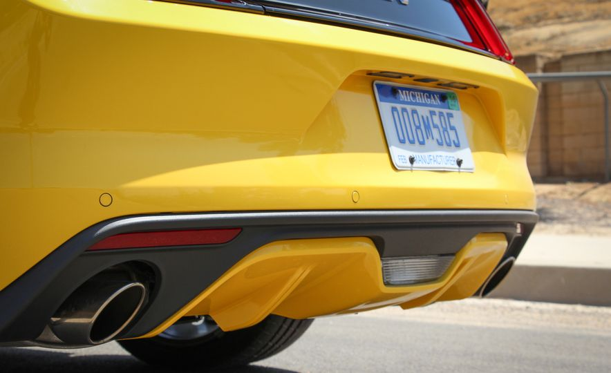 2015 Ford Mustang GT convertible - Slide 22