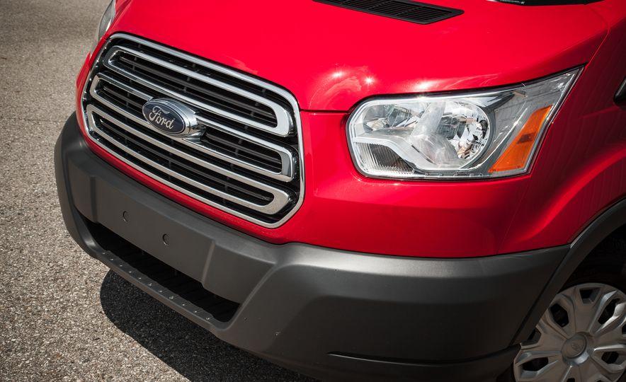 2015 Ford Transit 350 wagon - Slide 12
