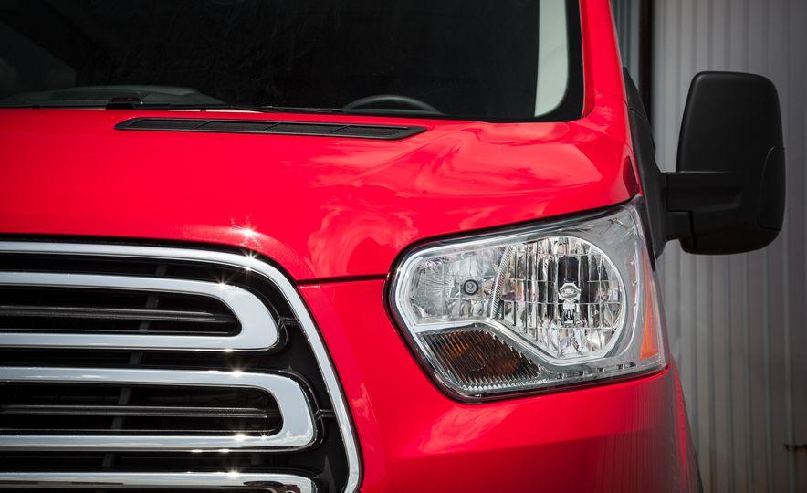 2015 Ford Transit 350 wagon - Slide 14