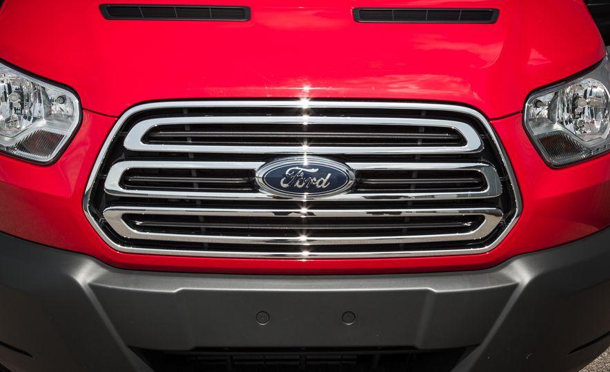 2015 Ford Transit 350 wagon - Slide 15