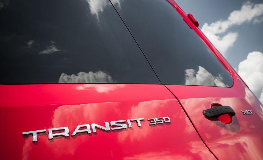 2015 Ford Transit 350 wagon - Slide 16