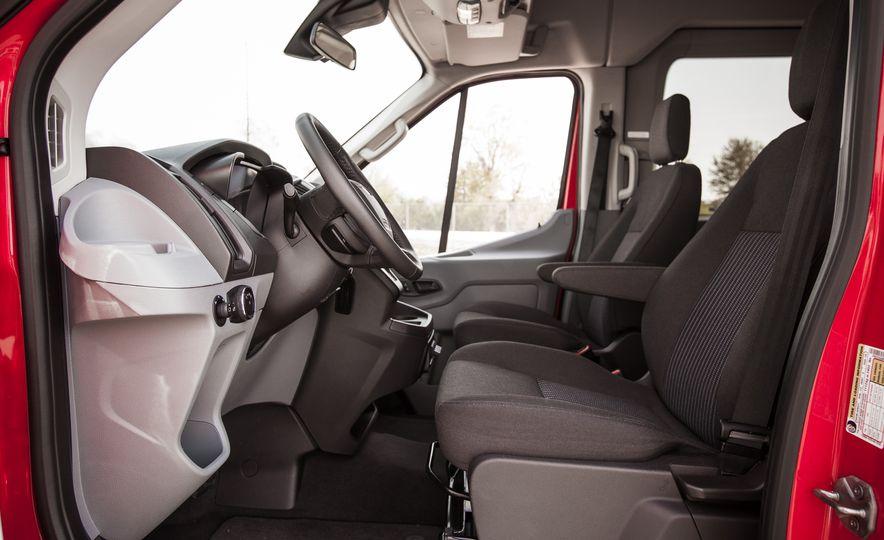 2015 Ford Transit 350 wagon - Slide 21