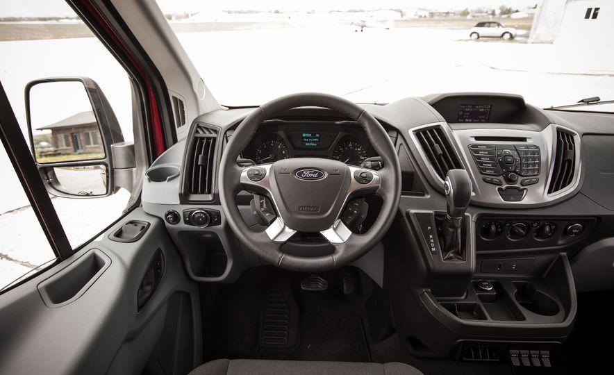 2015 Ford Transit 350 wagon - Slide 35
