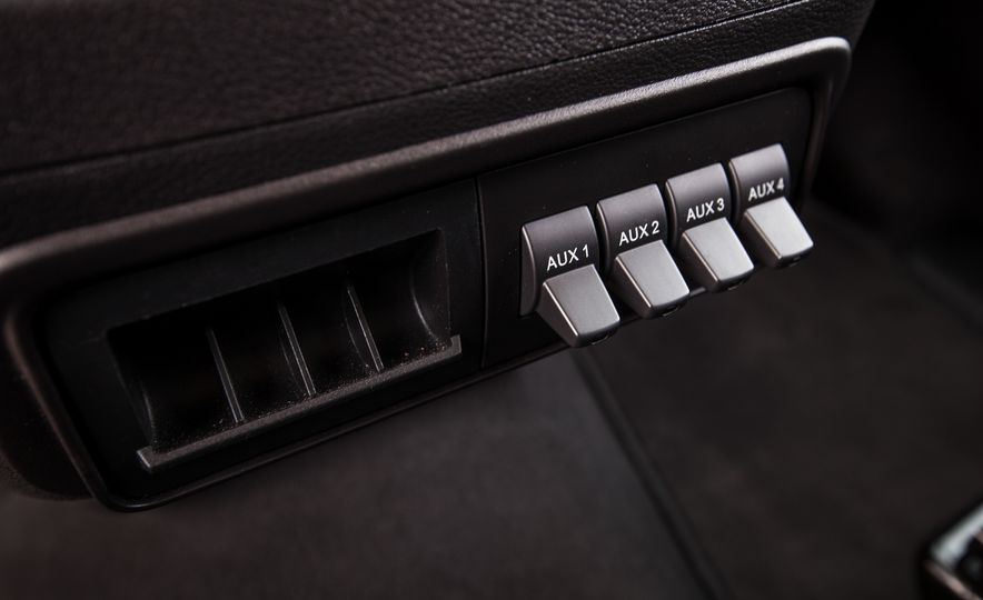 2015 Ford Transit 350 wagon - Slide 43