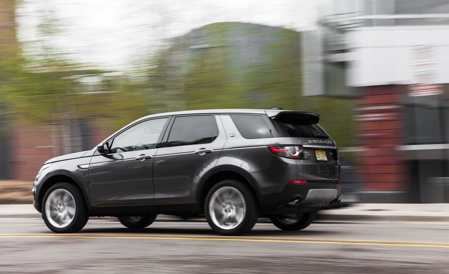 2015 Land Rover Discovery Sport - Slide 6