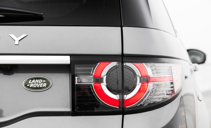 2015 Land Rover Discovery Sport - Slide 18