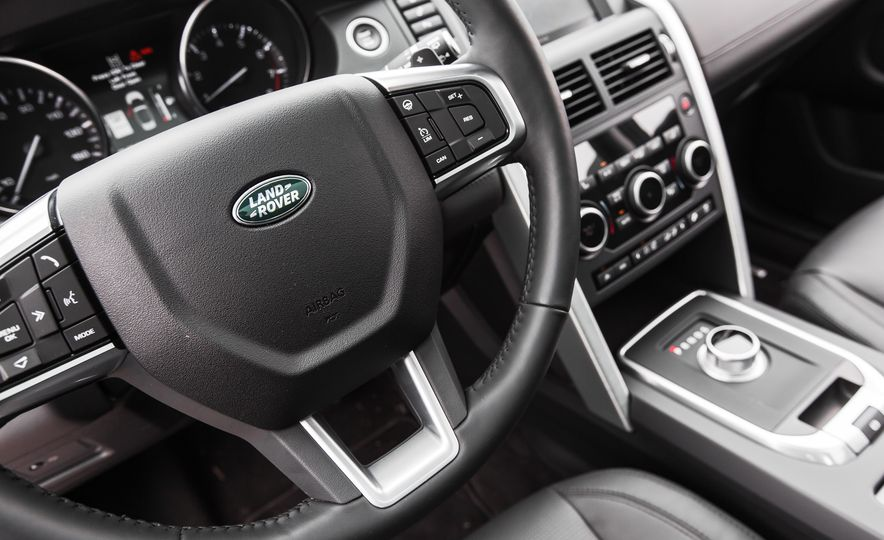 2015 Land Rover Discovery Sport - Slide 31