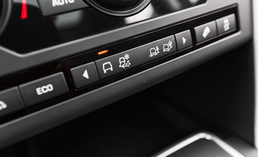2015 Land Rover Discovery Sport - Slide 37