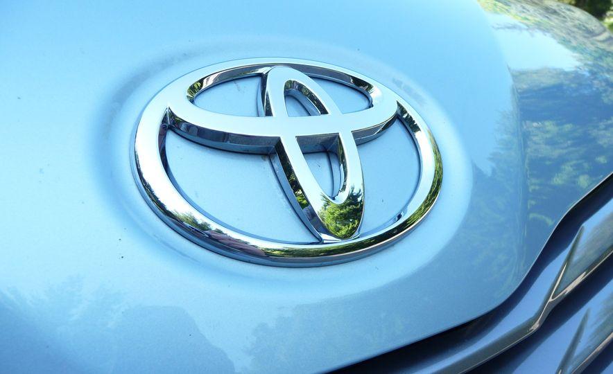 2015 Toyota Sienna SE - Slide 7