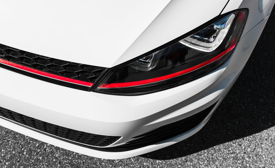 Volkswagen GTI Clubsport - Slide 24